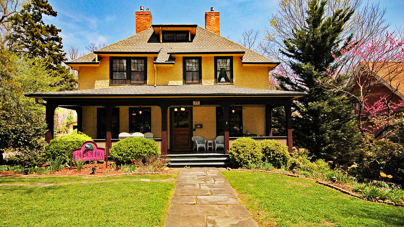 Asheville Bed and Breakfast Inn in Historic Montford